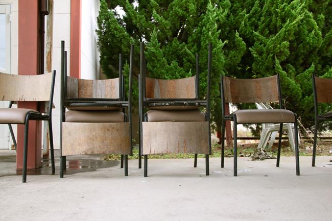ゴーカート 椅子 廃墟 ボロボロ