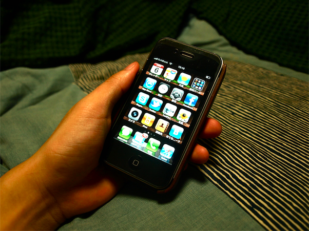 木製 iphoneカバー