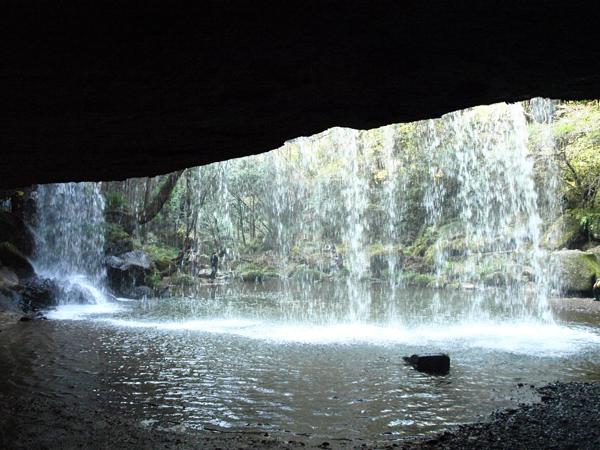 慈恩の滝 裏側