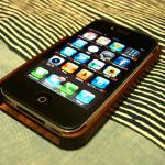 iphoneカバーを木製に変えてみた。